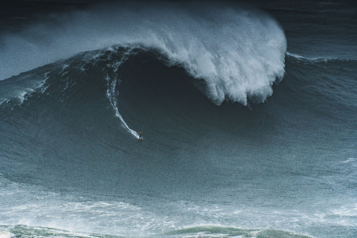 Big Wave Surfing. Copyright: Photo by Koji Kamei from Pexels